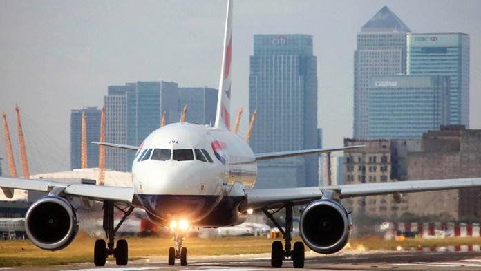 Avião Airbus A318 British Airways