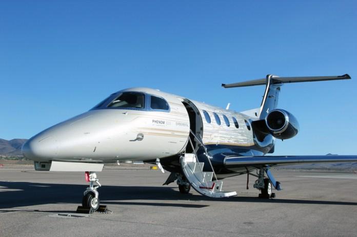 Jato Executivo Embraer Phenom 300E