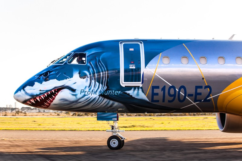 Avião Embraer E190-E2 Shark Profit Hunter