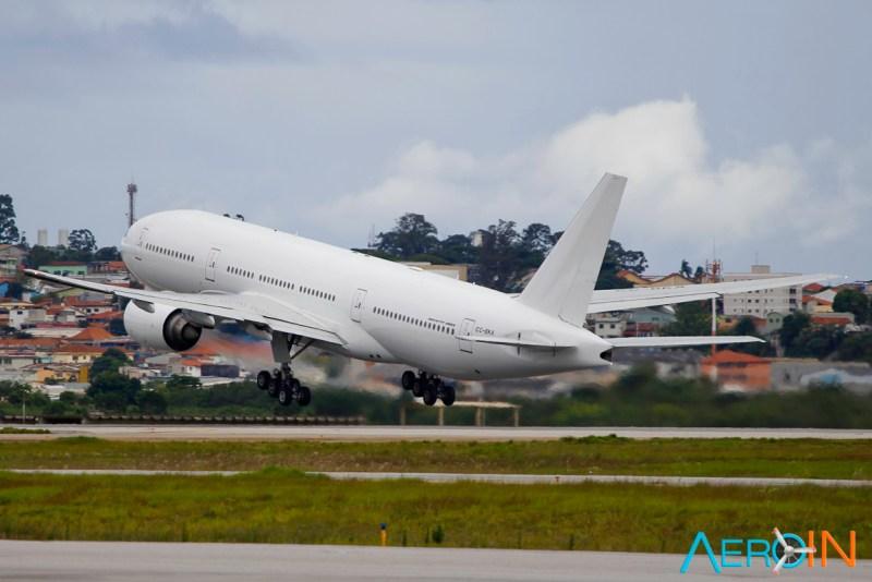 Avião Boeing 777-200 LATAM Airlines