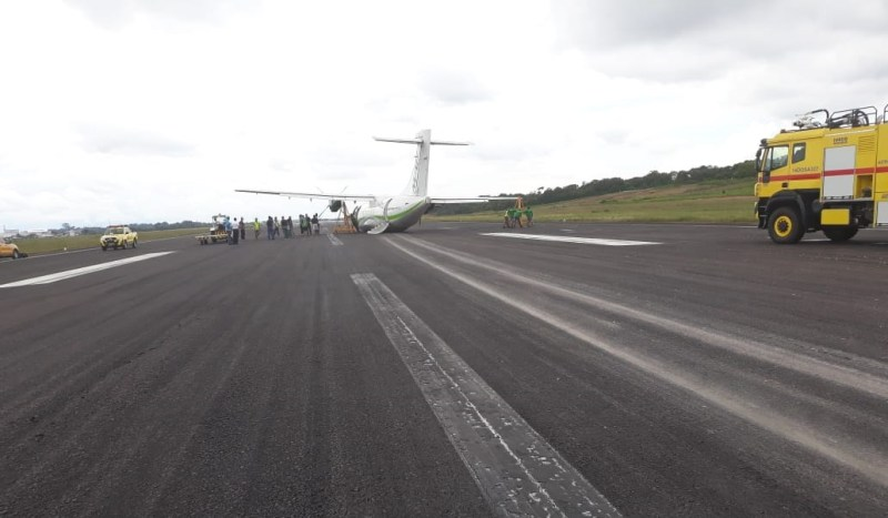 Avião ATR 42 MAP Pouso Barriga Manaus