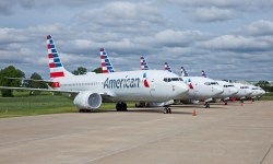 Avião Boeing 737 MAX American