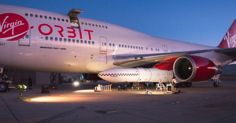 Cosmic Girl 747 Virgin