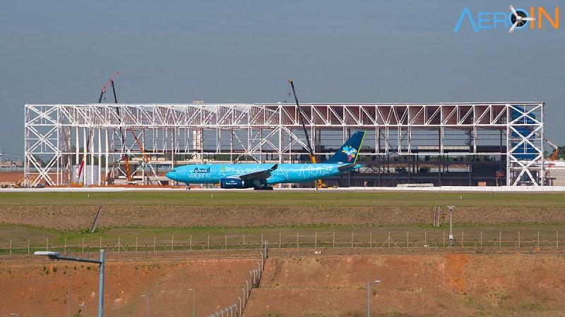 Novo hangar da Azul em construção