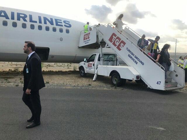 Boeing 737 da Turkish saiu da taxiway ontem a tarde
