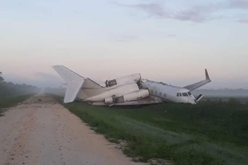 Jato executivo Gulfstream II acidentado estrada Belize