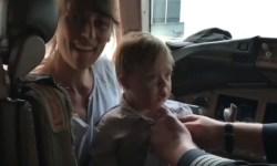 Vídeo Comandante Joe Weis broche asas AA criança Down