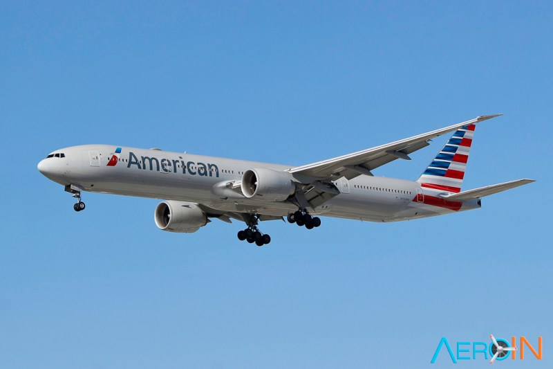 Avião Boeing 777-300 American Airlines