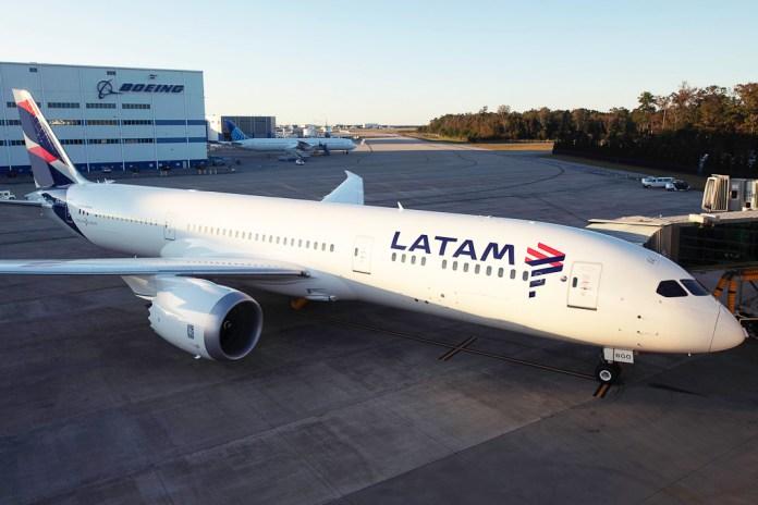 Avião Boeing 787 LATAM Airlines Delta