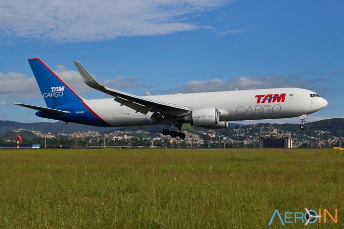 Avião Boeing 767-300F TAM Cargo