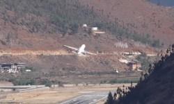 Avião Decolagem Paro Airport Butão
