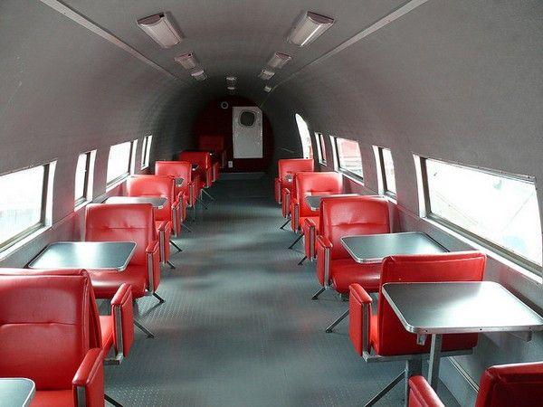 Avião Douglas DC-3 Lanchonete Interior