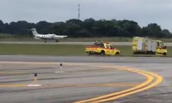 Vídeo Pouso Problema Trem de Nariz Piper Curitiba