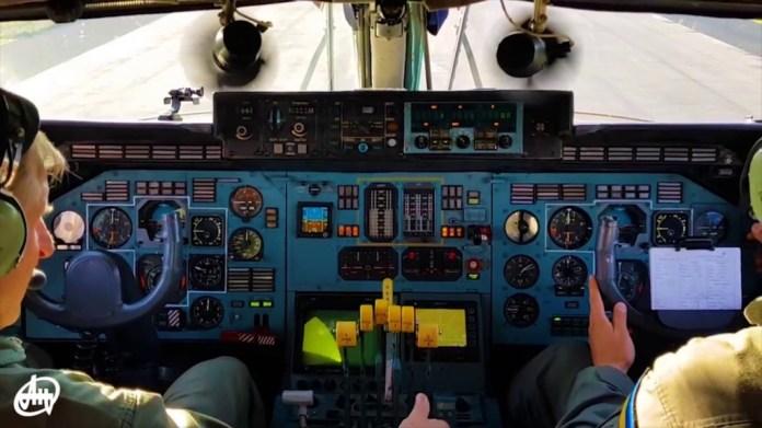 Antonov AN-225 painel cockpit