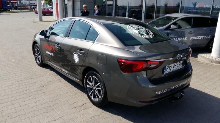 Toyota Mikołajczak przekazuje nam samochód Toyota Avensis