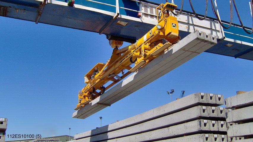 Aerolift vacuum lifter to handle multiple concrete piles at once