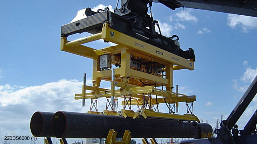 This vacuum lifter of Aerolift is engineered to handle six pipes at the same time
