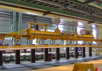 Door Aerolift ontwikkeld vacuüm heftoestel met demontabele verlengingen voor het handlen van platen voor de productie van stalen buizen