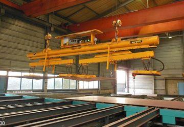 Vacuüm heftoestel van Aerolift voor het handlen van staalplaten van verschillende lengtes