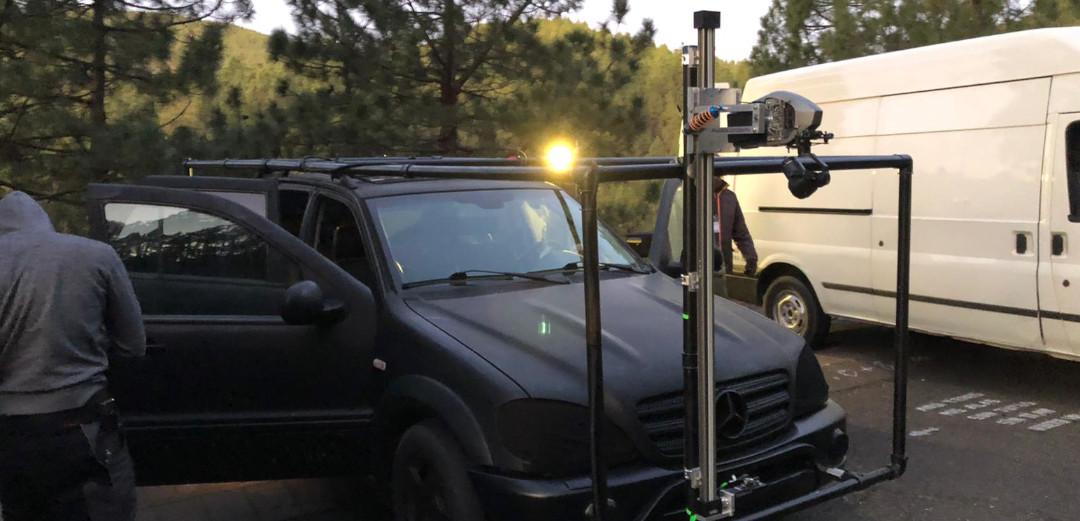 Towercam Mini Remote 6k RAW DJI X7 Kamera Fahraufnahmen tracking shots tracking vehicle uav service comapny munich germany drone team aerolution.tv drone pilot alex amini rigging rc car led drone
