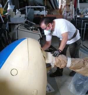 PIntado de sección de morro De Havilland Dove