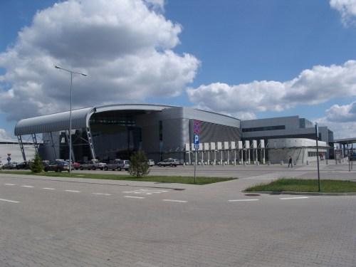 Aeropuerto de Poznan - transporte aeropuerto Lawica hacia el ...