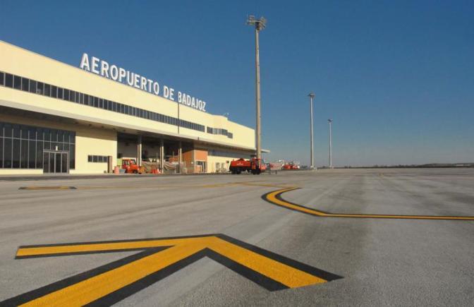 Resultado de imagen para aeropuerto de badajoz