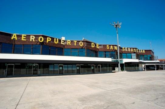 Resultado de imagen para aeropuerto de san sebastian