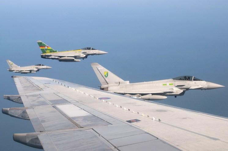 © AeroResource • Royal Air Force Eurofighter Typhoons • Air to Air Refuelling Area 8