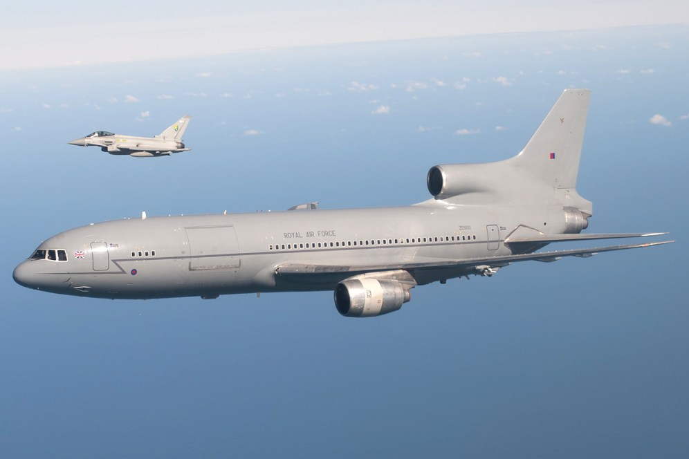 © AeroResource • Royal Air Force L-1011 Tristar (ZD950) & Eurofighter Typhoon • Air to Air Refuelling Area 8