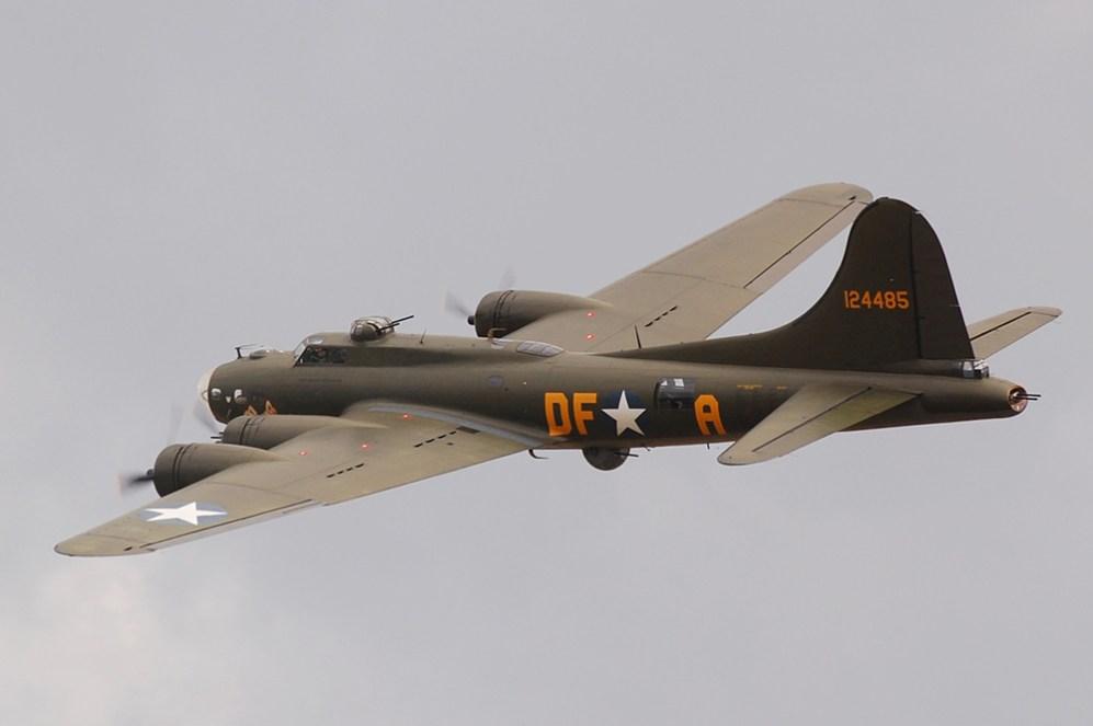 © Ben Montgomery • Boeing B-17G 'Sally B' • Duxford Flying Legends 2011