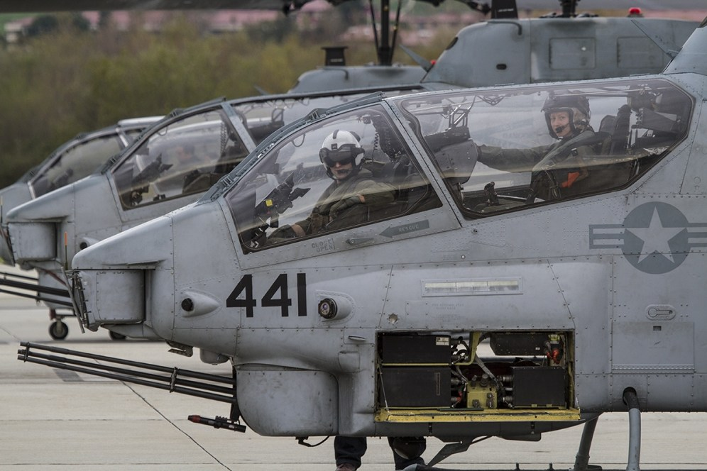 © Jason Grant • Bell AH-1 Cobra • Marine Corps Base Camp Pendleton