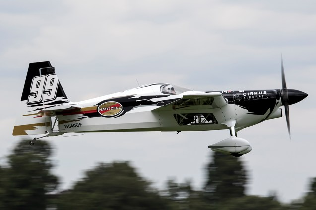 © Adam Duffield • Michael Goulian • Red Bull Air Race - Ascot