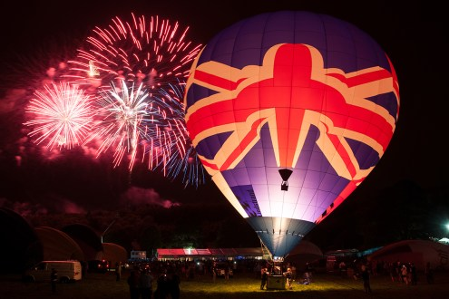 © Michael Buckle • Hot Air Balloon Nightglow • Silverstone Classic Competition 2015
