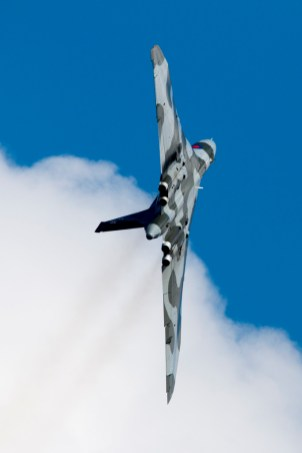 © J. Biggadike/Airpower Art - Vulcan climbing vertically at Cleethorpes Armed Forces Day 2015 - Vulcan XH558 Image Wall