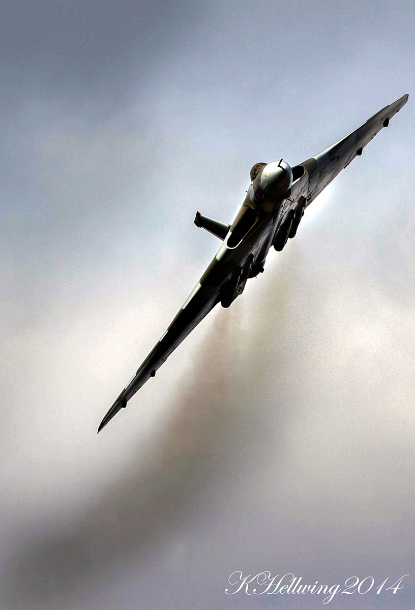 © Kristian Hellwing - cold war tour 2014 RAF Wittering - Vulcan XH558 Image Wall