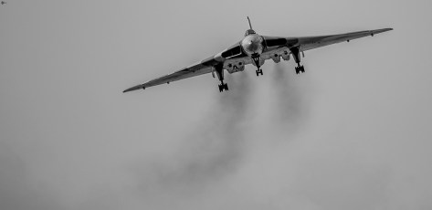 © Niall - Unknown date and location - Vulcan XH558 Image Wall