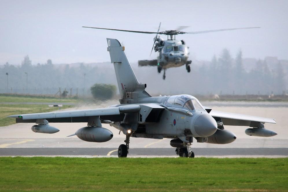 © Jamie Ewan - RAF Panavia Tornado GR4 ZD849 and USN MH-60S Seahawk 167872 - Joint Warrior 16-1