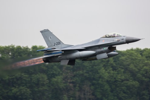 © Ben Montgomery - RNlAF F-16A J-201 - Luchtmachtdagen 2016