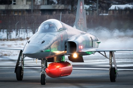 © Adam Duffield - F-5E J-3093 taxis back to parking after landing - World Economic Forum Air Policing