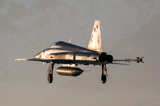 © Adam Duffield - F-5E J-3073 returns at sunset after a training mission - World Economic Forum Air Policing