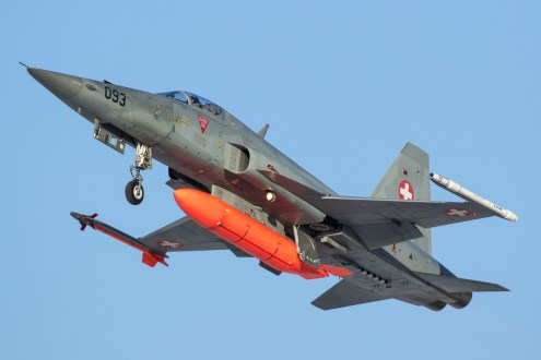 © Adam Duffield - F-5E J-3093 retracting the gear on departure - World Economic Forum Air Policing