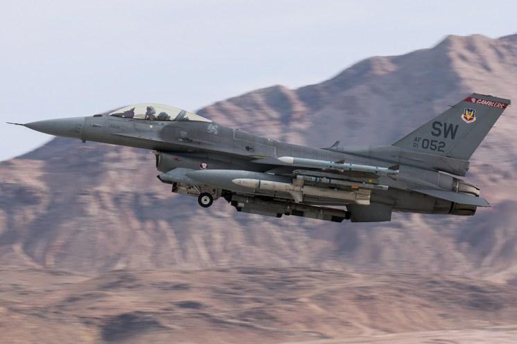 © Kevin Bell - USAF F-16CM 01-7052 - Red Flag 17-1