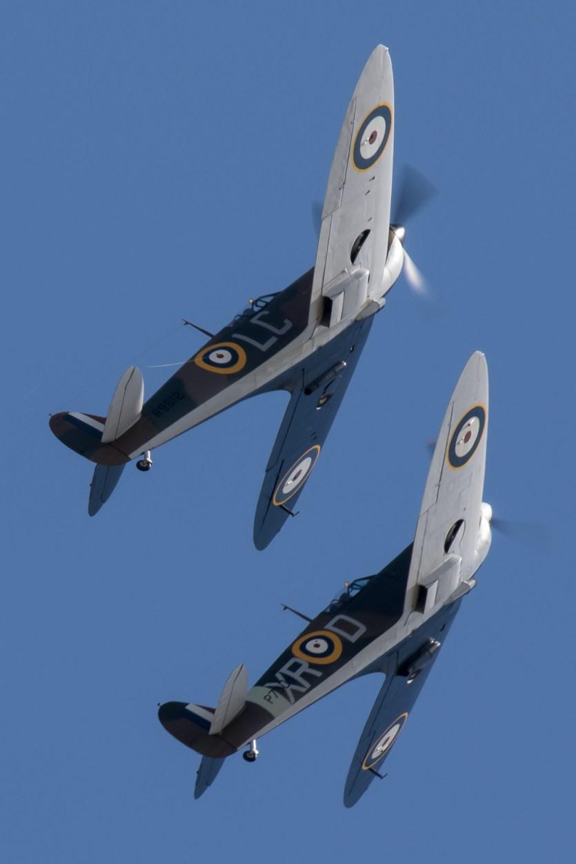 © Adam Duffield - Spitfire MkI pair - Flying Legends 2017