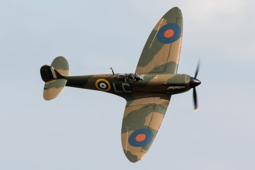 © Adam Duffield - Nick Grey in Spitfire MkIa N3200 G-CFGJ during the Joker slot - Flying Legends 2017