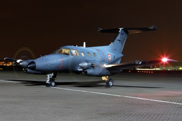 © Mark Kwiatkowski - Armée de l'Air Embraer EMB121 Xingu ZF / 090 - Northolt Nightshoot XXIII