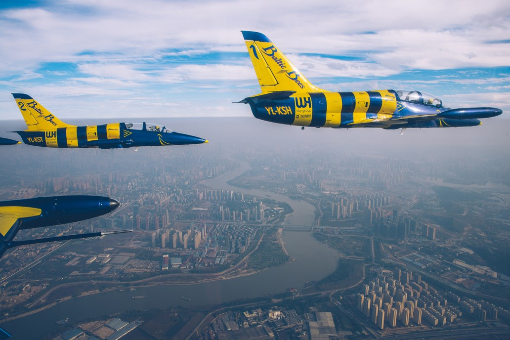 © Baltic Bees - - Baltic Bees Jet Team