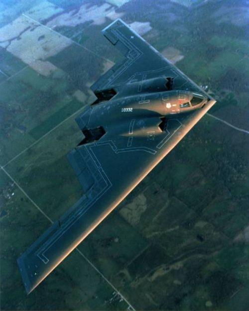 https://i1.wp.com/www.aerospaceweb.org/aircraft/bomber/b2/b2_06.jpg