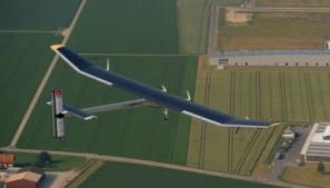 El Solar Impulse HB-SIA en vuelo