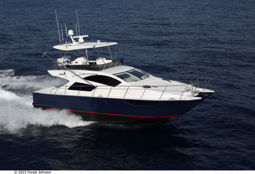 Mares 45 Power Catamaran Motoryacht Assymetric Hull Design